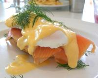 Egg Benedicts With Smoked Salmon And Dill Sauce Recipe