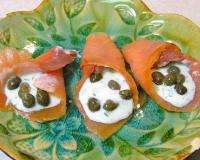 Smoked Salmon with Capers and Dill Sauce