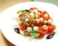 Tomatoes And Fresh Mozzarella Salad Recipe